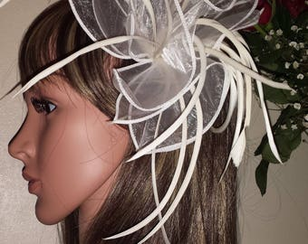 Ivory Fascinator with Organza and feather comb. FREE UK POSTAGE