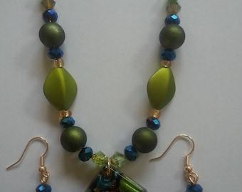 Beaded Jewelry / Glass Pendant