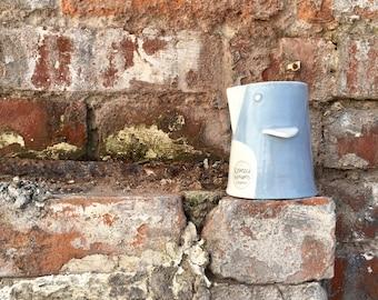 Pot à lait / crémier - cruche d'oiseau en porcelaine bleu et blanc, cadeau, cadeau, anniversaire, Noël, mariage, pendaison de crémaillère, anniversaire