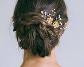 Bridal hair pin, Gold hair pin, Gold flower hair pin, Rhinestone hair pin, Gold bridal headpiece, Bridesmaid hair pins
