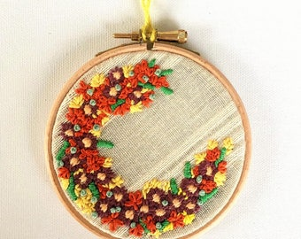 Small Hoops, Floral Hoops, Embroidery Art, Hand Embroidery, Fibre Art, Pretty Hoops