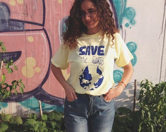 100% cotton Unisex Save the Earth tee shirt // Summer, genderless top