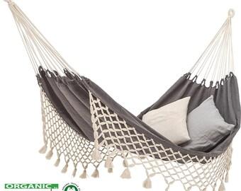 Classic double hammock with fringes. Premium ORGANIC cotton, anthracite/ecru, GOTS.