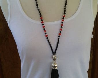 Bohemian tassel necklace black and red