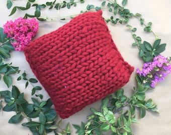 Chunky knit wool pillow, Chunky Pillow, Bulky Yarn Pillow, Wool knit Pillow, Knitted Pillow,Chunky Knit Pillow, Pillow, Cozy Pillow,Burgundy