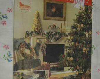 Simplicity 8396 Treeskirt Wreath Mantel Scarf Stocking Place Mat Napkin Tablecloth Table Topper and Chair Cover Sewing Pattern UNCUT