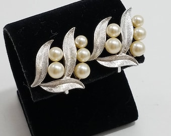 Beautiful Trifari Silver Tone With Faux Pearls Clip Earrings