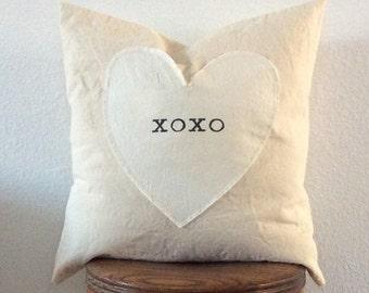 Valentine Pillow| Heart Pillow| Farmhouse Pillow| XOXO Pillow| 18x18 Pillow