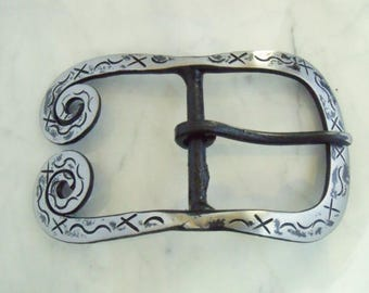Belt tooled 4 cm, spirals, iron