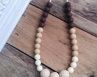 Teething necklace. Bold.