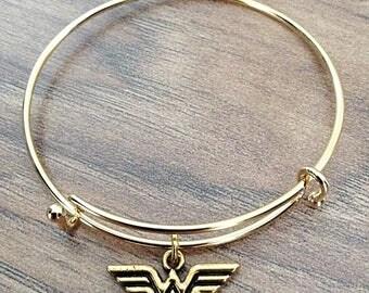 Wonder Woman DC Comics Bangle Charm Bracelet