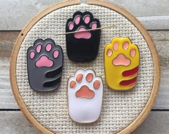 Cat Paw Needle Minder - Cat Magnet - Cat Lovers - Kitty Paw Needle Nanny - Modern Cross Stitch - Modern Embroidery Accessories