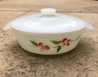 Anchor Hocking Fire King Milk Glass Gay Fad Peach Blossom, One Quart Casserole Dish with Lid, Made in USA, Vintage Milkglass, Opaque Glass
