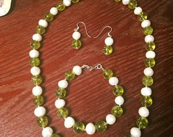 Pearl & Peridot Necklace Handmade design Beaded Necklace.