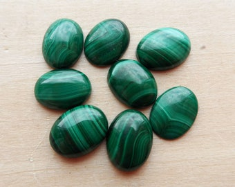 Malachite Cabochon oval 8x6mm