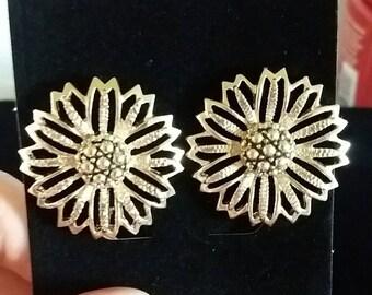 Vintage Flower Silver Tone Clip On Earrings