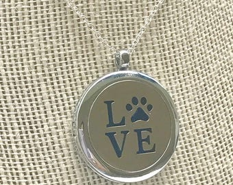 Pet Love Aromatherapy pendant