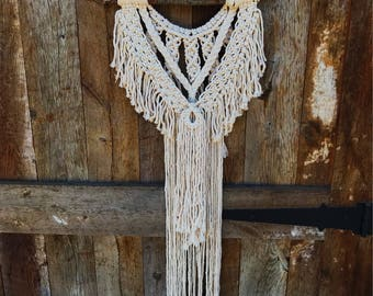 Small macrame wall hanging // boho // hippie // bohemian READY TO SHIP