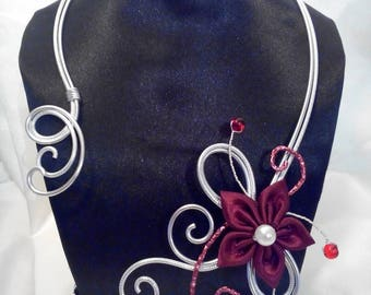 Burgundy and silver aluminium wire necklace