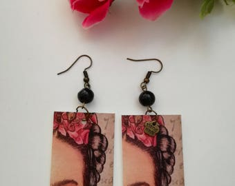Frida kahlo pendant paper earrings with black pearl.