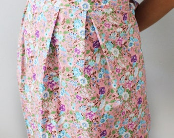 Apron top with a pink and blue flowers