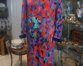 Vintage LEONARD T38/40 with belt and matching scarf print dress