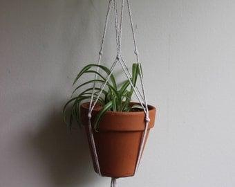 Minimalistic Household Plant Hanger