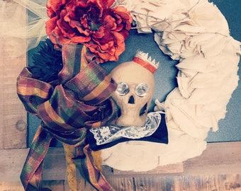 Linen Skull Wreath