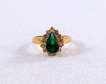 Vintage faux emerald and rhinestone costume ring