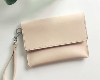 Leather Clutch with detachable wrist strap in Natural