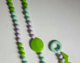 Necklace, breastfeeding and Babywearing with removable silicone ring