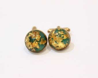 Vintage Gold Flakes Cufflinks with Green Background