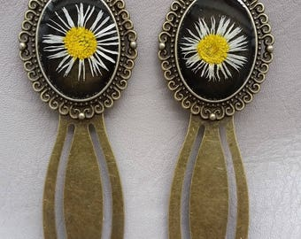 Vintage Oval bookmarks, resin and dried daisy flowers