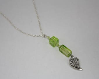 Green & silver leaf pendant chain
