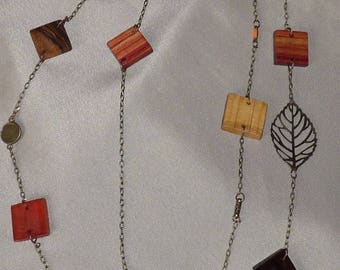 Necklace in precious wood: carousel
