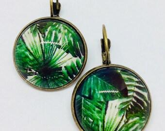 Sleeper Amazon green leaf