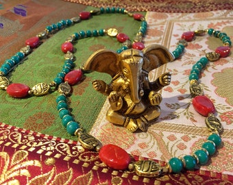 Chic ethnic necklace