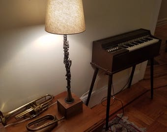 Collegiate Metal Clarinet Lamp