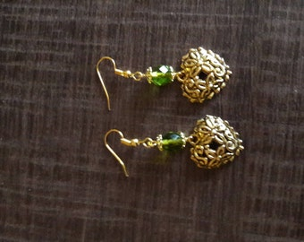 Earrings golden green with heart