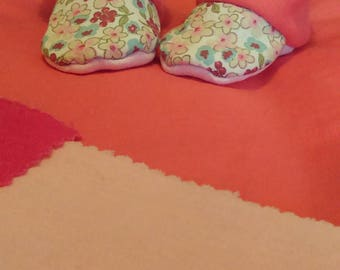 Slipper / boots style flowers and pink