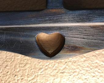 Mini heart wooden shelf