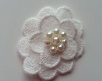 double fleur en dentelle   blanc  40 mm
