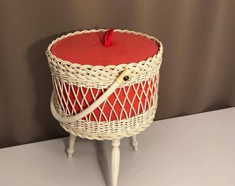 Vintage sewing basket sewing box 1970s