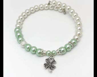 Luck shape beaded memory bracelet