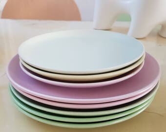 Fifties pastel breakfast dishes