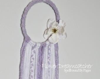 Flower Dream Catcher, Yarn Dramer, Lilac Dreamcatcher