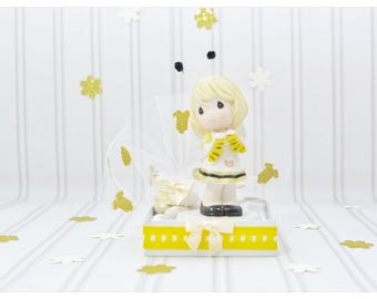 Mom to be figurine, gift for mom to bee, queen bee, baby shower gifts, new favor idea, unique bomboniere, baby shower, new mom to be