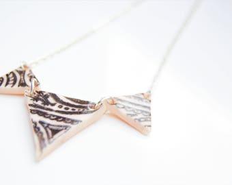 Triangle arabesque necklace
