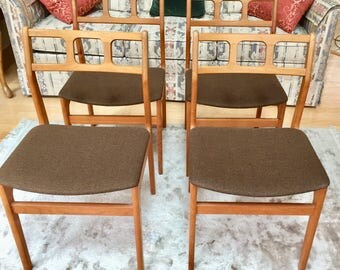 Mid Century Modern Teak Chairs Set of four Danish Dining Scandinavian