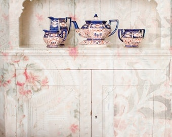Lined-The papered cupboard Cabinet